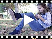 Video from Bottines Chelsea Fille et Femme Glitter