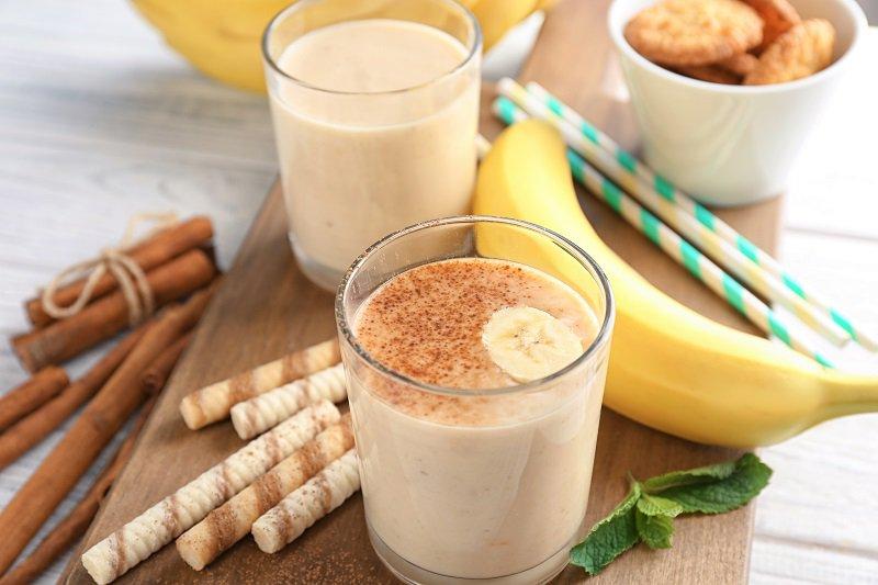 Milk-shake avec une touche de biscuit Pisamonas