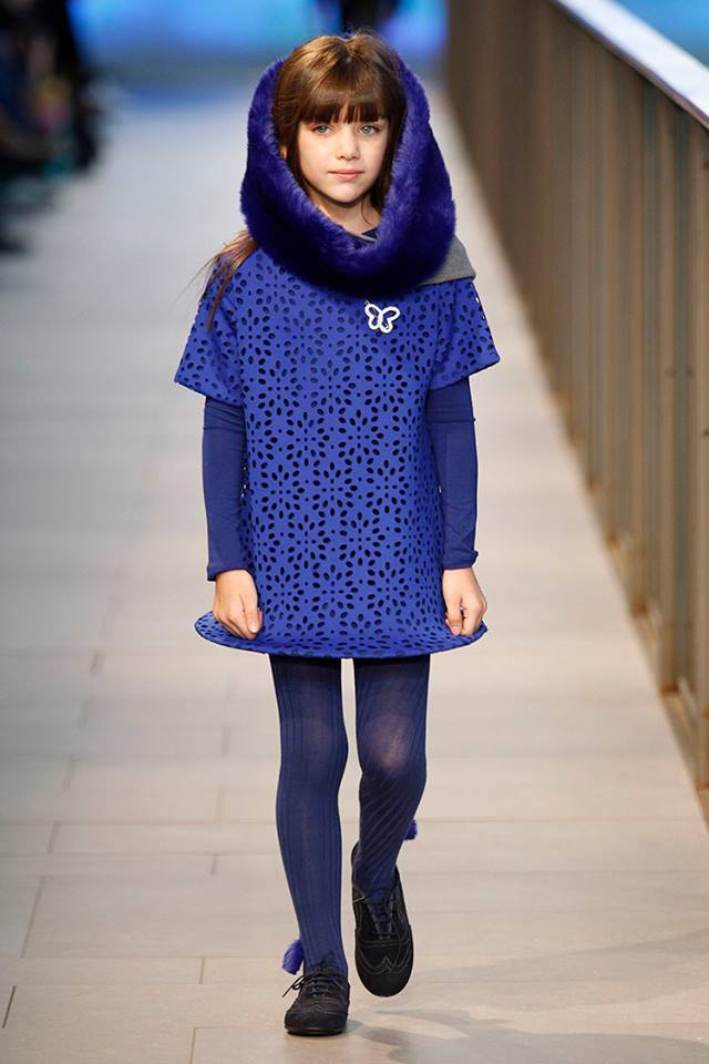 Pisamonas en Barcelona Fashion zapatos blucher niñas