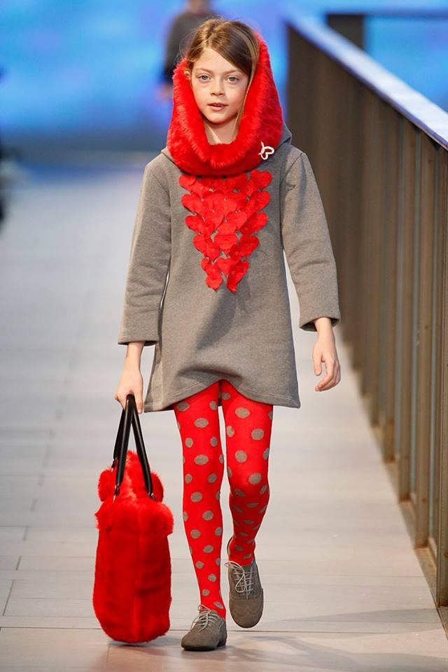 Pisamonas en Barcelona Fashion 2014 blucher de niñas
