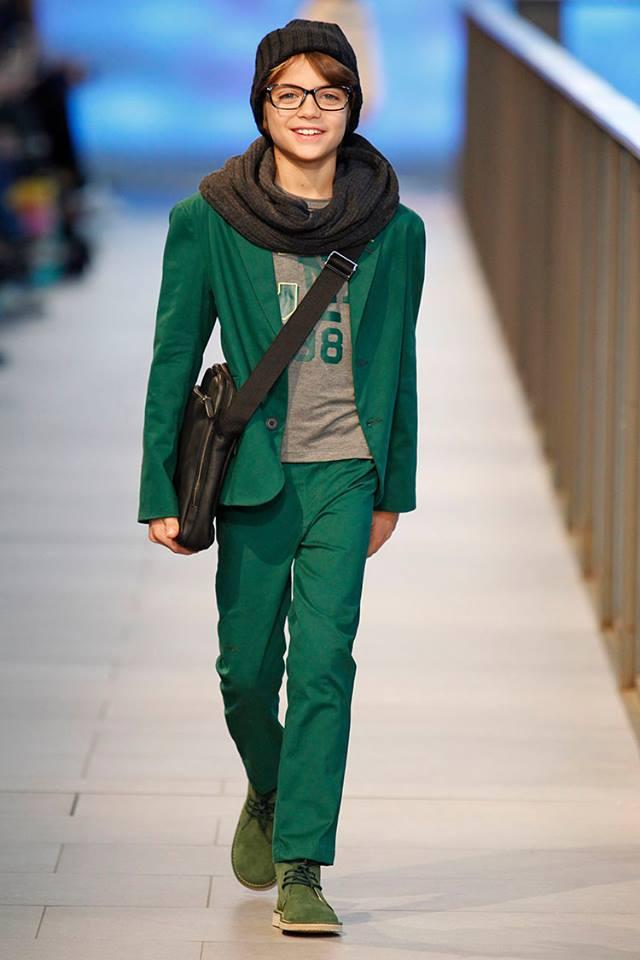 Pisamonas en Barcelona Fashion 2014 botas safari pisacacas para niños verdes
